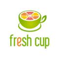 新鮮的水果杯Logo